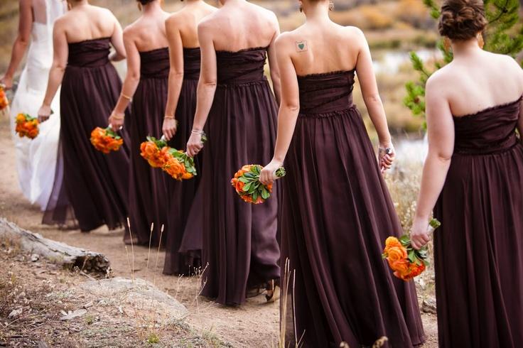 http://somethingoldandsomethingnew.wordpress.com/2012/08/16/visual-inspiration-fall-weddings/