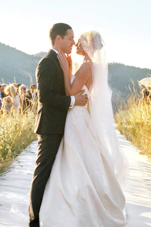 http://www.harpersbazaar.com/celebrity/news/kate-bosworth-wedding-photos