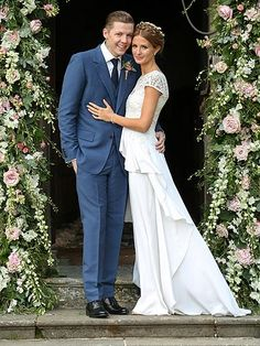 http://www.cosmopolitan.co.uk/celebs/celebrity-gossip/millie-mackintosh-professor-green-wedding-pictures?page=1