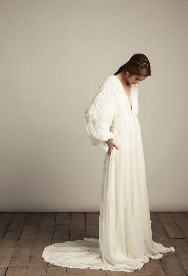 Image Credit: Vania Romoff boho wedding dress