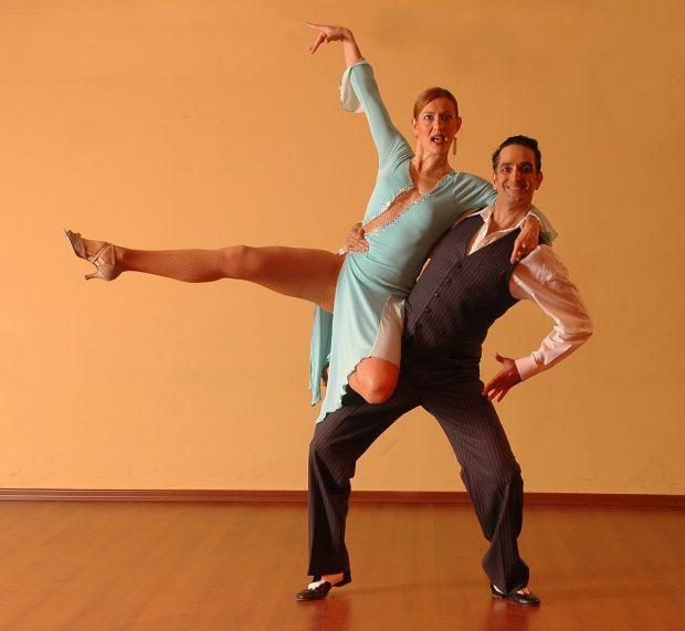 dancing-929815_1280