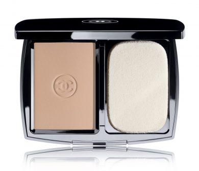 Powder Chanel's 'Mat Lumiére' powder