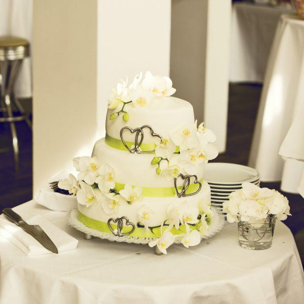 cake-2082876_1920
