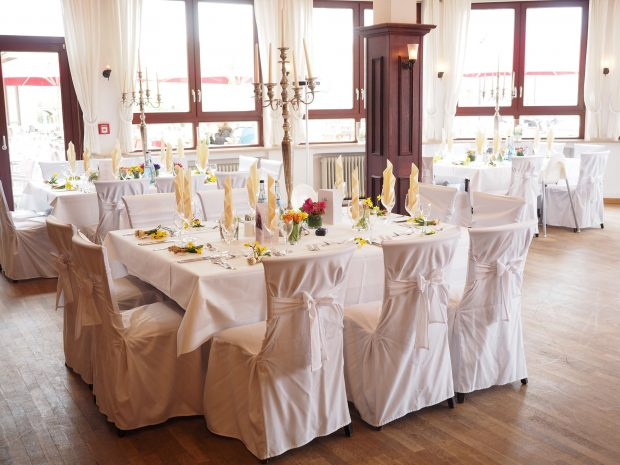 wedding-table-1174141_1920