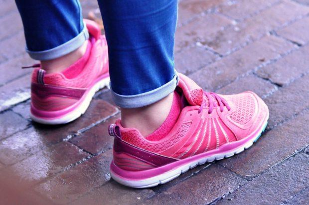 feet-965688_960_720